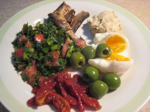 Middle Eastern paleo lunch plate