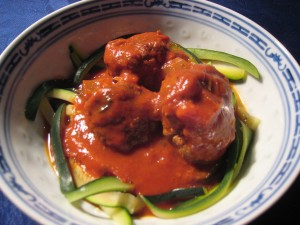 "Meatballs with zucchini ""pasta"""